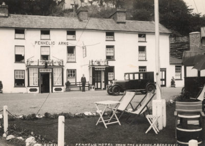 Black and white photo - Penhelig Arms Hotel from car park
