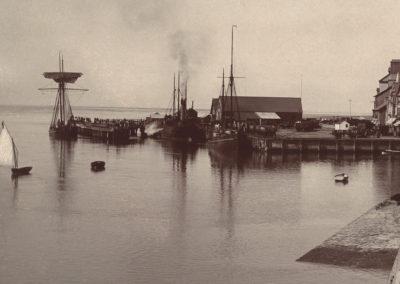 Black and white photo - The Pier, Aberdyfi