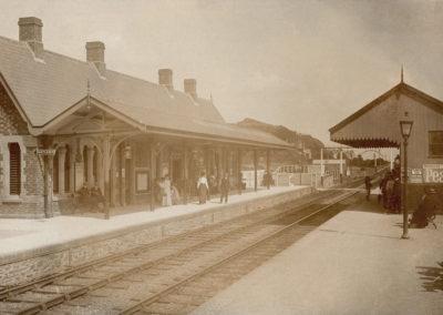 Black and white photo - Aberdovey Railway Station